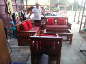 servis Sofa dg Phinishing Kayu