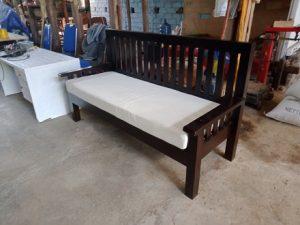 Sofa Rangka Kayu (1)