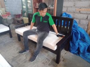 Sofa Rangka Kayu (2)