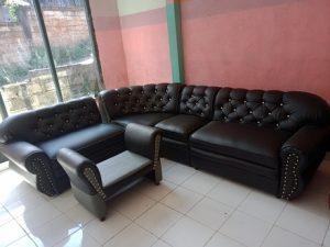 Sofa Reborn bungkus kulit