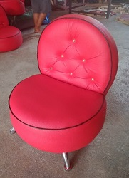 Sofa Bebek Bali warna merah